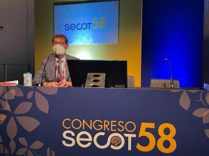 El Dr. Rafael Arriaza en la presentación del nomenclátor de la SECOT